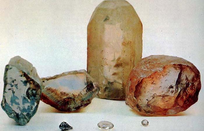 Топаз  камень