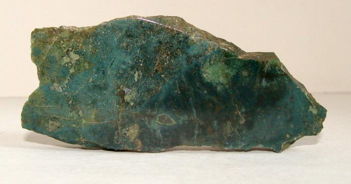 фото камень яшма зеленая