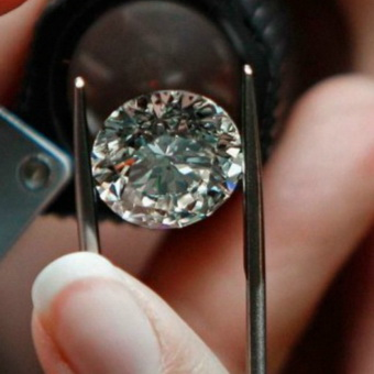 Как определить подлинность бриллиантов в домашних условиях