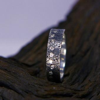 Камень фианит: фото, кому подходит по знаку зодиаку, стоимость, характеристики и значение